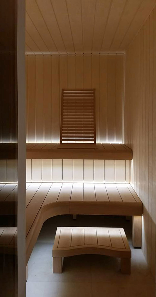 Verplaatsbaar, stabile bankje voor sauna/banya (bewerking: geolied)